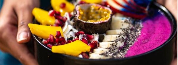 acaï bowl sain et healthy de The Healer parfait pour le petit déjeuner vegan